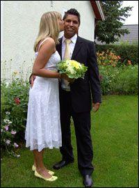 be9b472d6e4f Bröllopsfoto med kostym